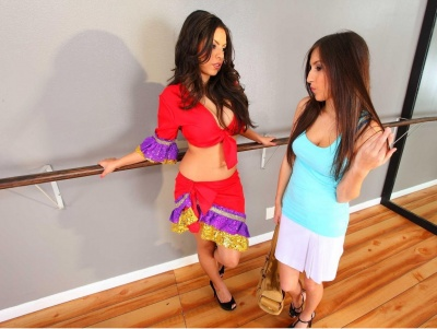Interracial lesbian sex with cunt lickers Yurizan Beltran and Dylan Ryder  1943226