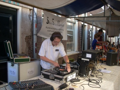 Me playing music on a streetparty